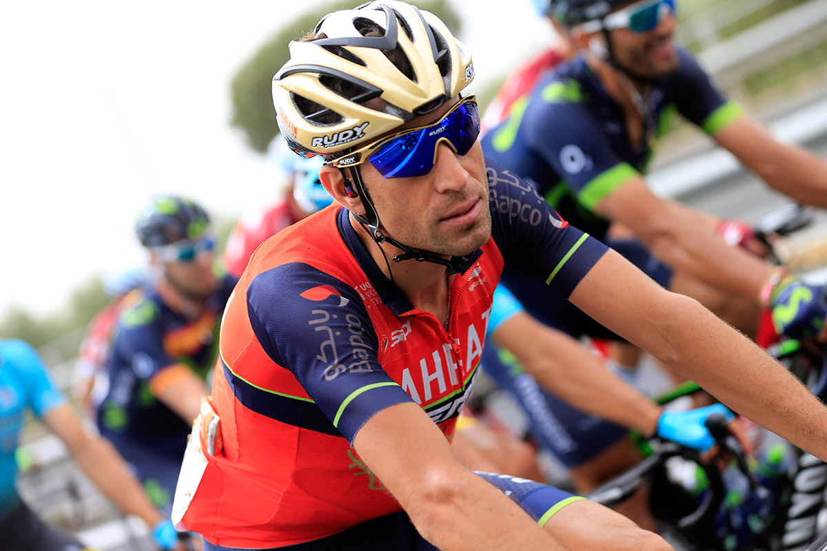 Giro d 39 italia 2017 vincenzo nibali wins stage 16 after a for Hearst magazines italia stage