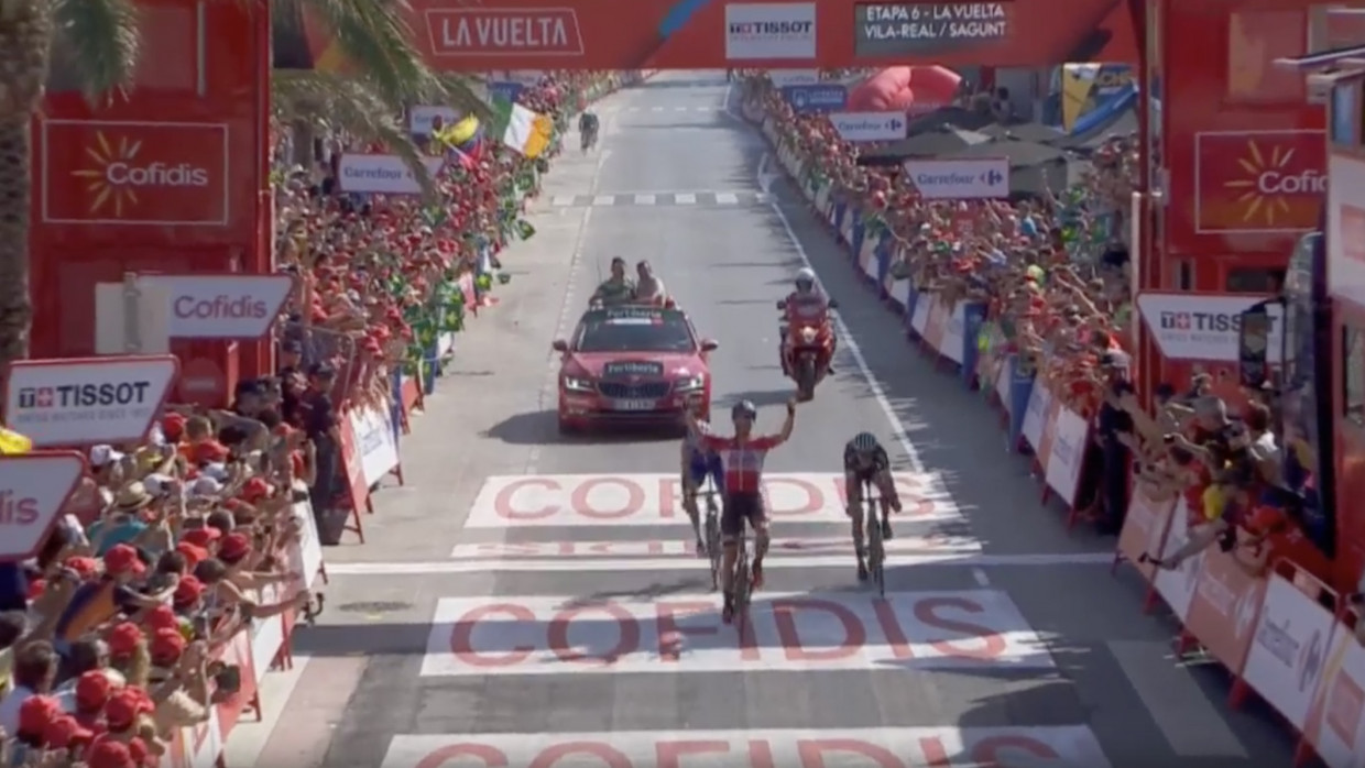 Mohoric sprints to victory in Vuelta stage seven with skilful descent