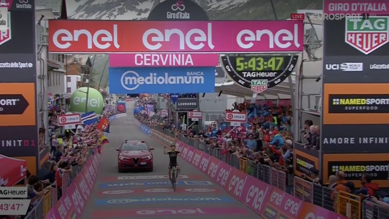 Chris Froome surges into Giro d'Italia lead after extraordinary mountain stage