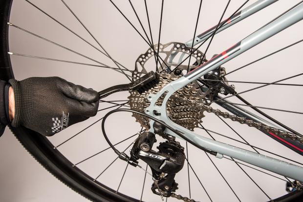 how to clean bike sprockets
